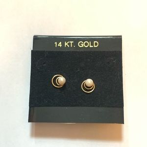 14k Yellow Gold & Pearl Stud Earrings